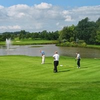 http://www.trevorblake.co.uk/uploads/blog/Rusper-Golf-Club.jpg