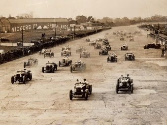 https://www.trevorblake.co.uk/uploads/blog/Brooklands-Vickers-Road-Race.jpg